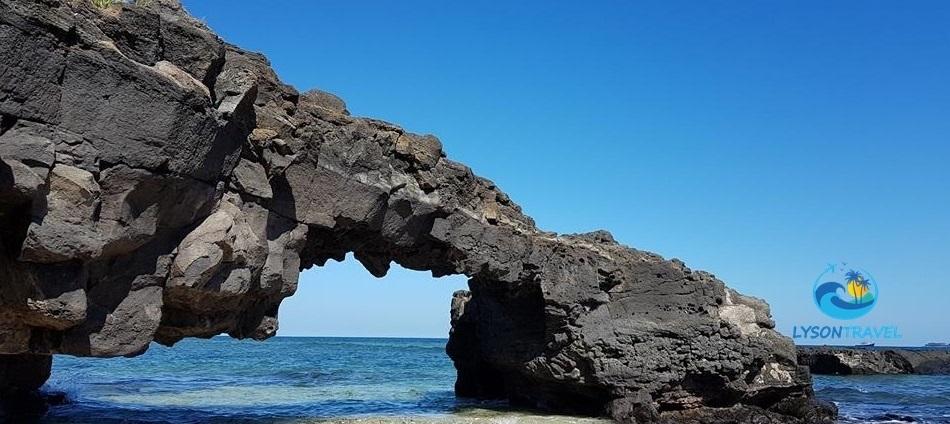 Cổng tò vò - Lý Sơn